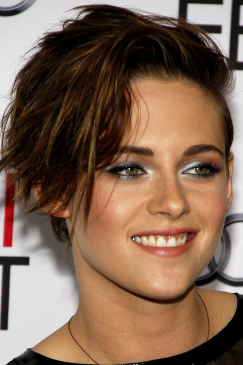32 short spiky haircut for women with long side swept bangs