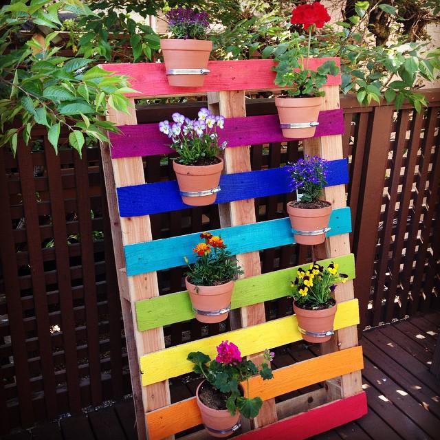 39 Rainbow Pallet Flower Garden Planter