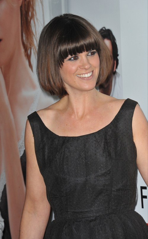 28 short bob with bangs for thick hair