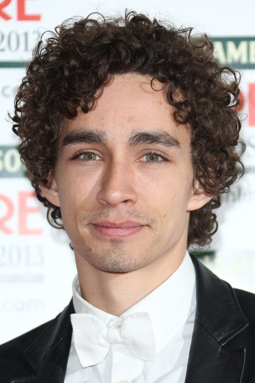 32 medium haircut for men with curly hair
