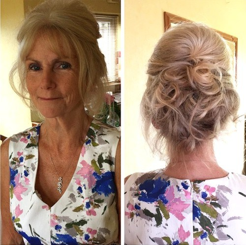 Simple Long Hair Wedding Style For Mother Of Groom In Her 60 S: 40 Ravishing Mother Of The Bride Hairstyles