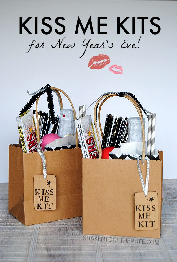 45 DIY Kiss Me Kits for New Year's Eve