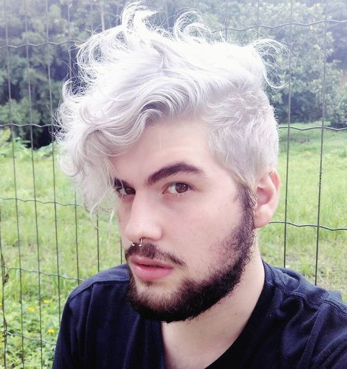 8 silver gray curly hairstyle for men