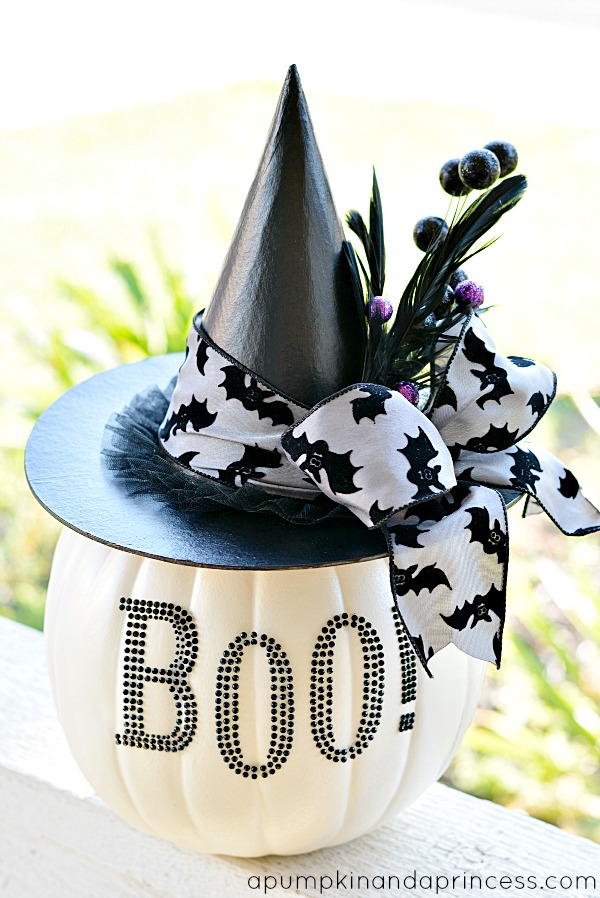 1 DIY Black & White Glam Pumpkin