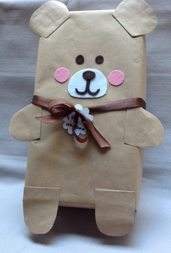 12 Shoebox Bear Gift Wrap