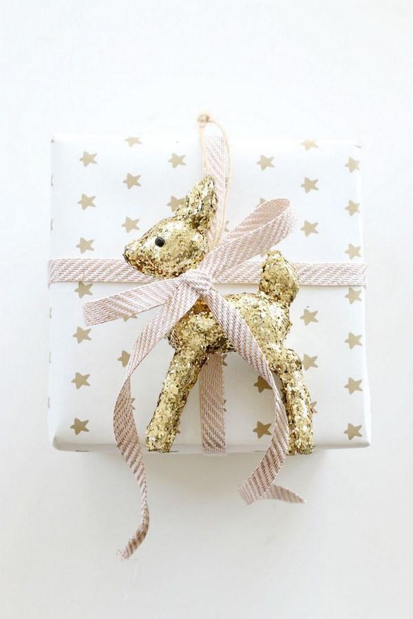 14 DIY Glitter Reindeer Gift Wrap