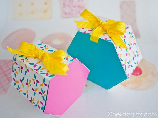 17  Hexagon Gift Box