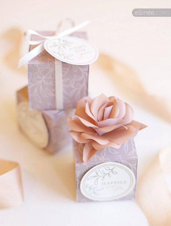 18 Lavender Rose Gift Box