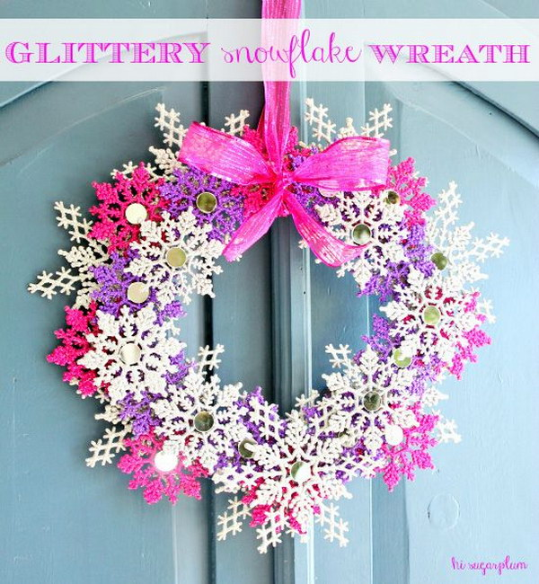 20 DIY Glittery Snowflake Wreath
