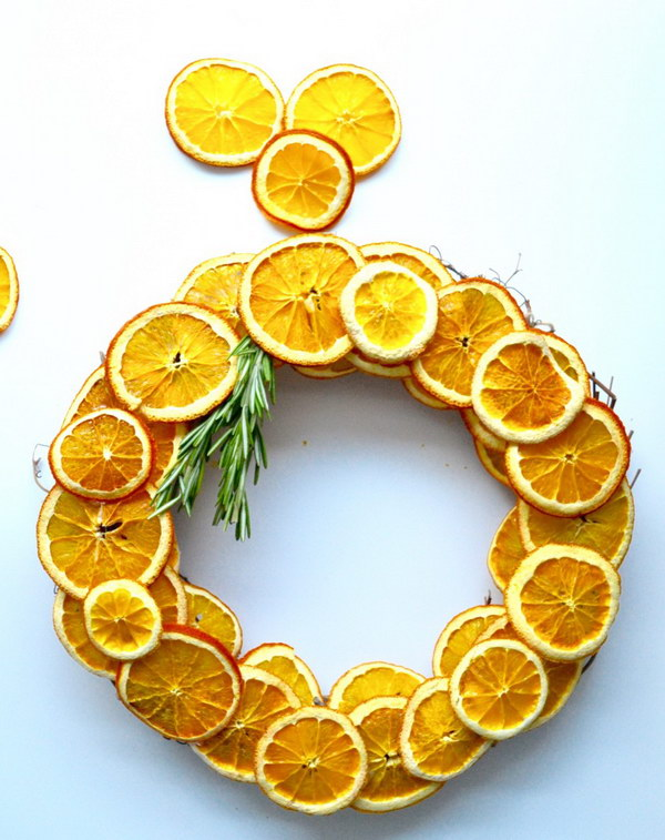 25 DIY Dried Citrus Wreath
