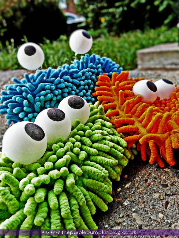 25 DIY Monsters Made from Microfibre Cloths and Ping Pong Balls
