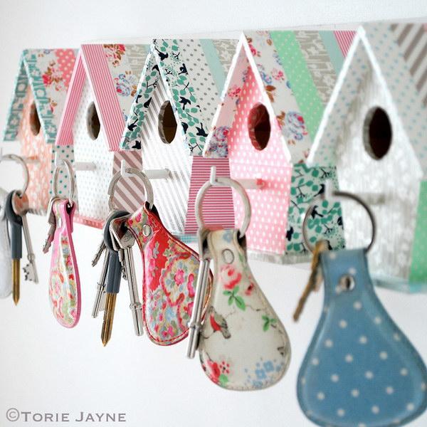 5 DIY Easy Bird House Key Hooks