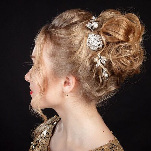 1 Christmas curly updo for medium hair