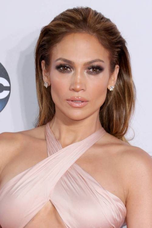 1 st. valentine day hairstyle idea for long hair from jennifer lopez