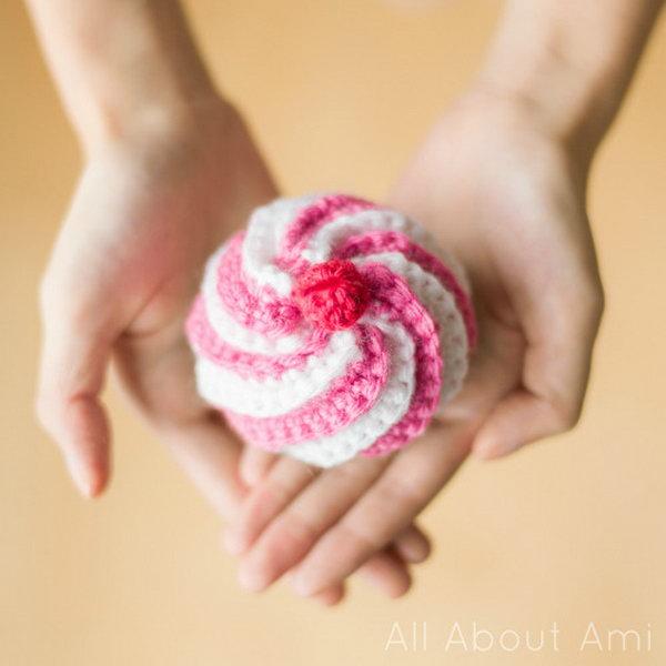 16 Cute Crocheted Swirly Cupcake