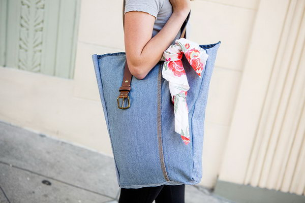 18 DIY Jeans Bags