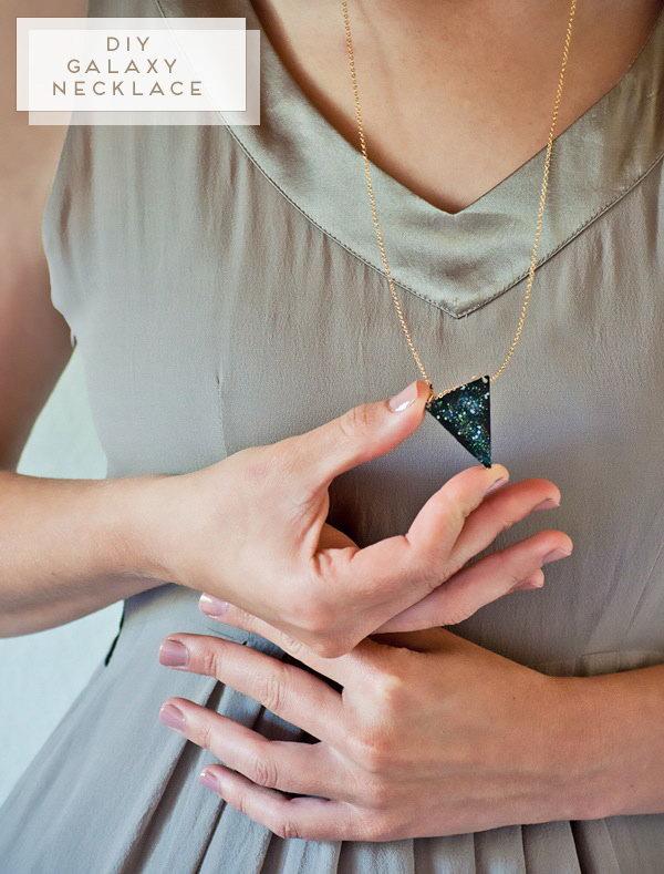 19 DIY Galaxy Necklace