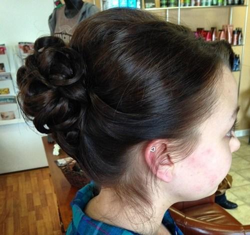 19 formal curly bun for medium hair