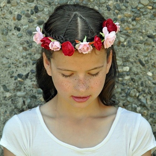 20 floral braided crown hairstyle for girls