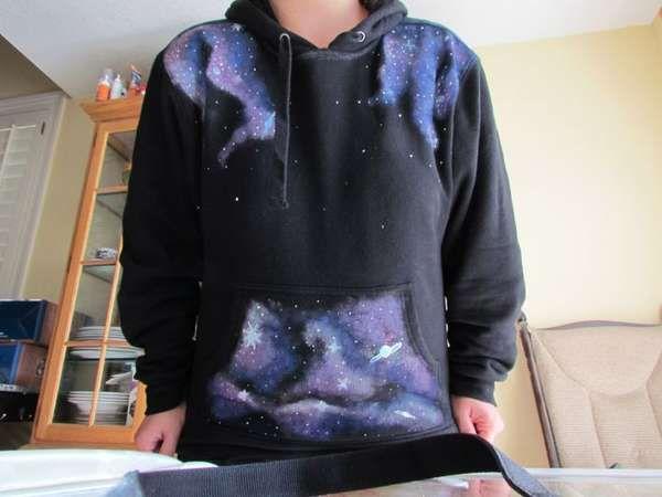 22 DIY Star Swirled Sweatshirts