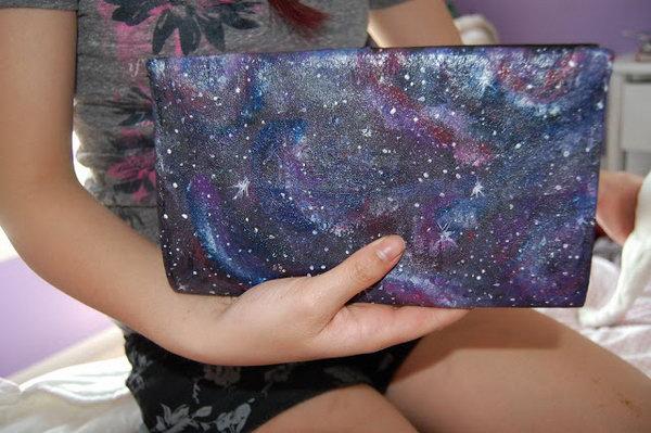 23 DIY Galaxy Hand Bag