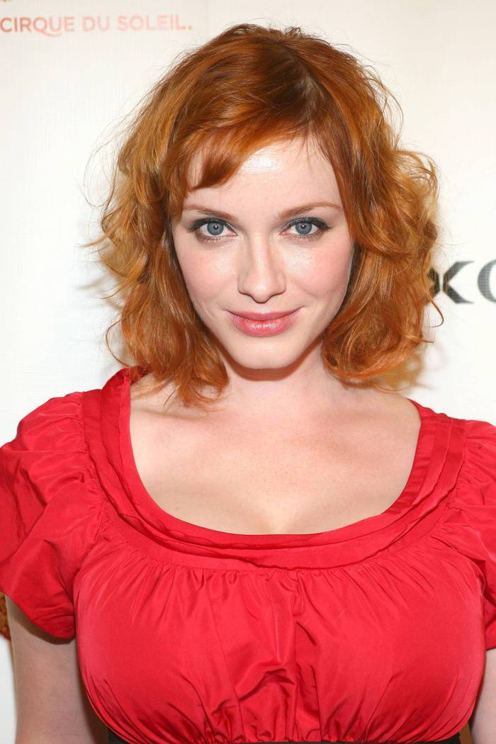 28 christina hendricks and her mind blowing tangerine red hair color