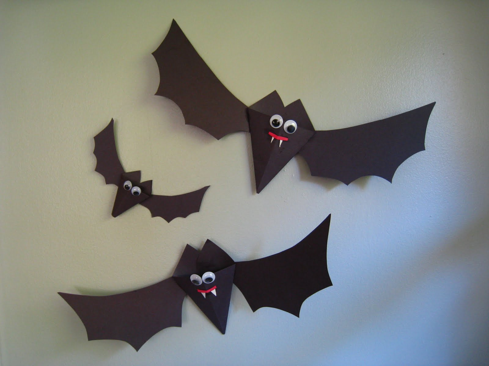 31 Paper Bats