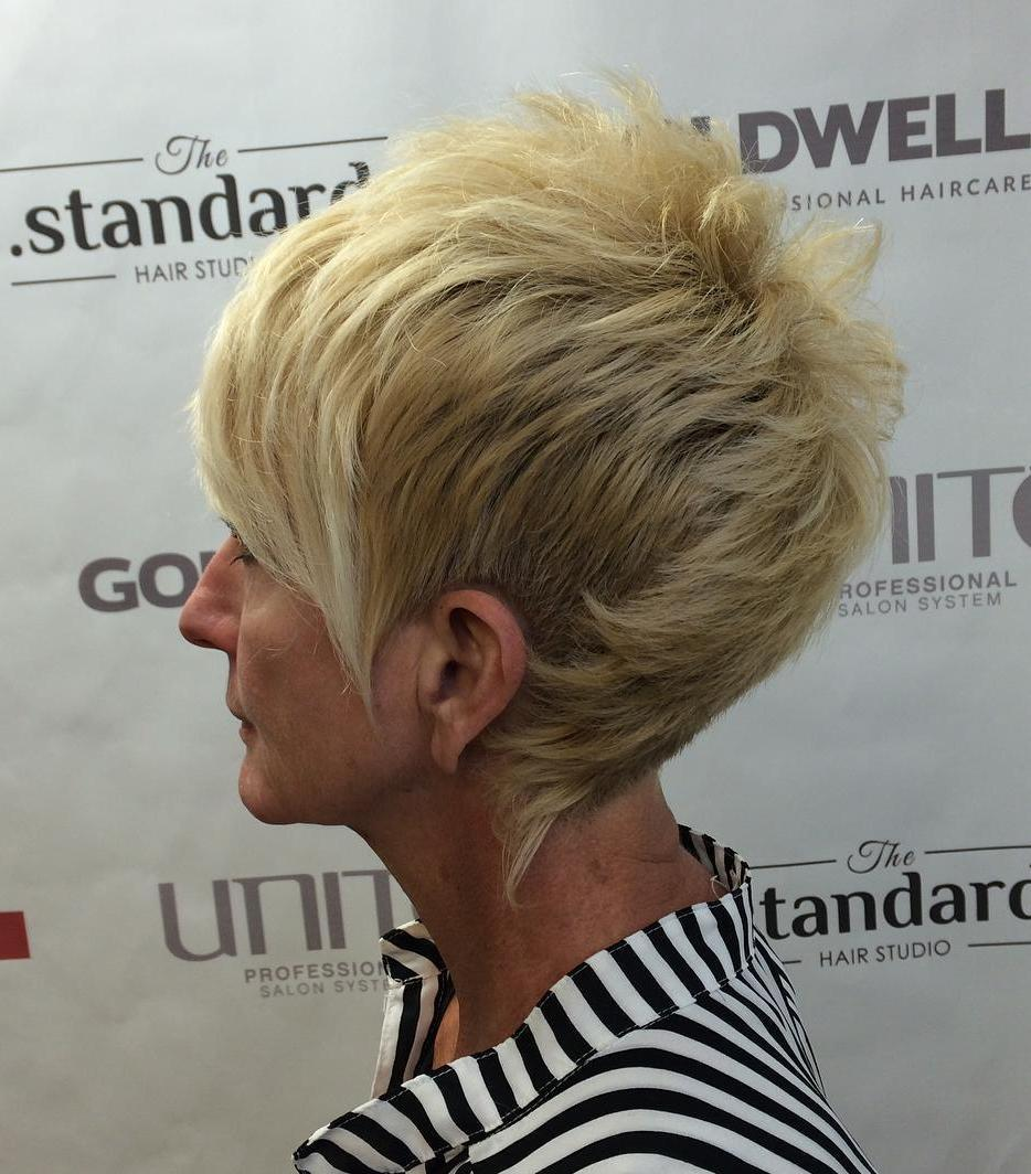 80 Classy And Simple Short Hairstyles For Women Over 50 Page 31