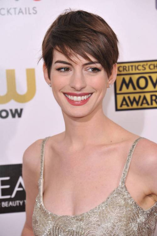 33 royal copper brown hair color idea from anne hathaway