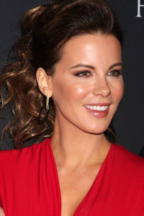 36 the softest almond hue for kate beckinsale