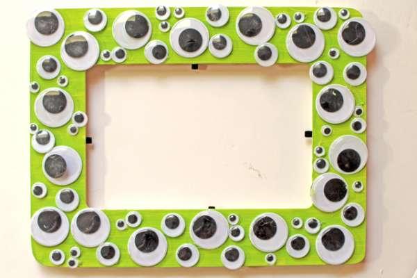 47 Halloween Googly Eye Frame