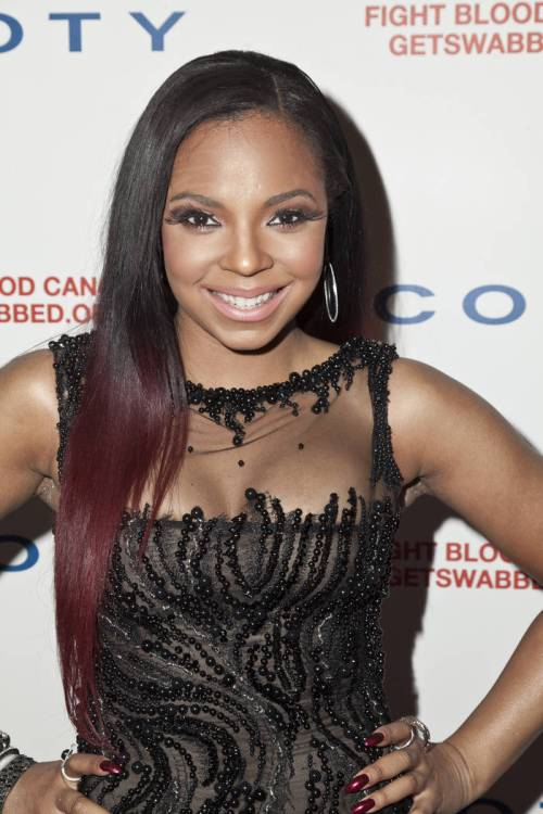 58 ashanti brown burgundy hair
