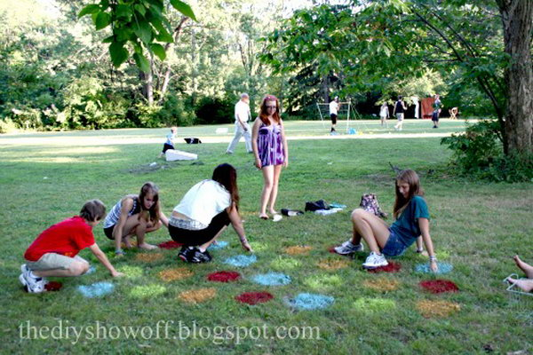 30 easy fun outdoor games you can do it yourself page 9 9 lawn twister game solutioingenieria Gallery