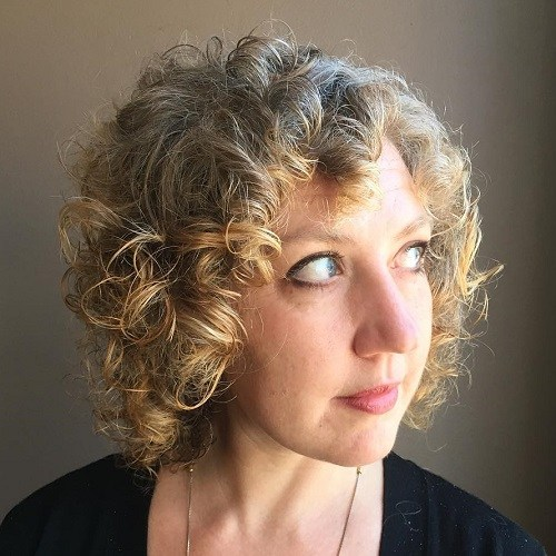 15 short curly hairstyle for gray hair