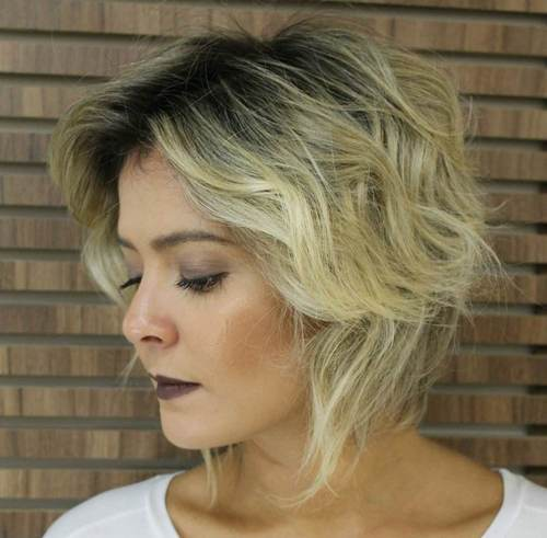 2 short blonde hairstyle with dark roots