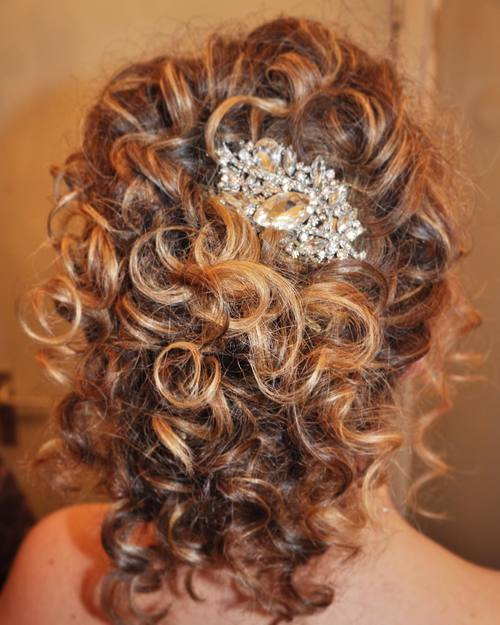 3 simple curly hairstyle