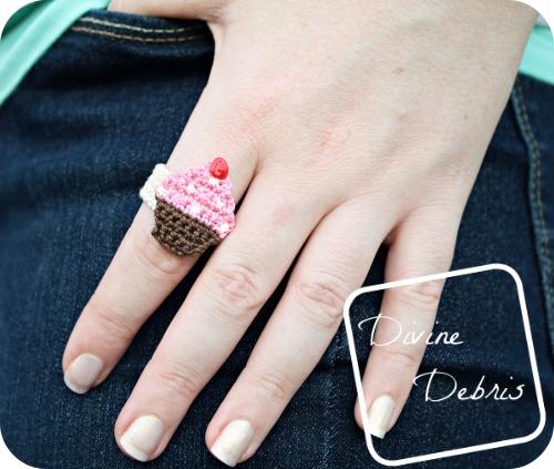 31 Chrissy Cupcake Ring