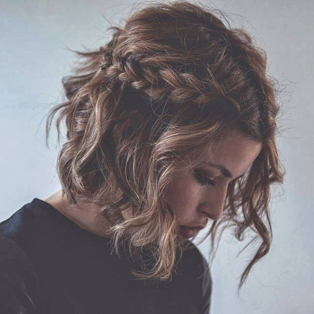 4 messy curly hairstyle