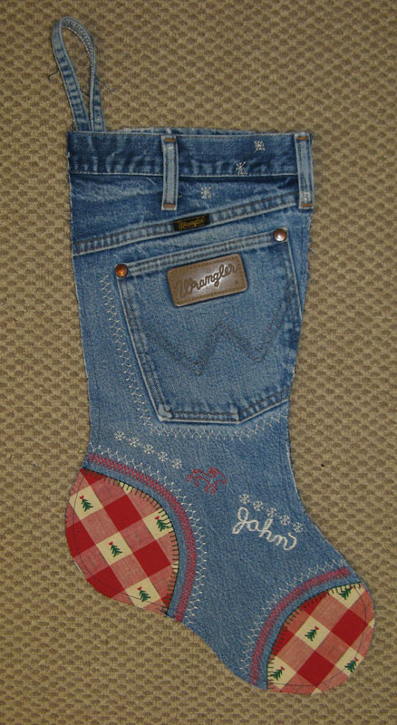 47 Make Christmas Stockings from old jeans