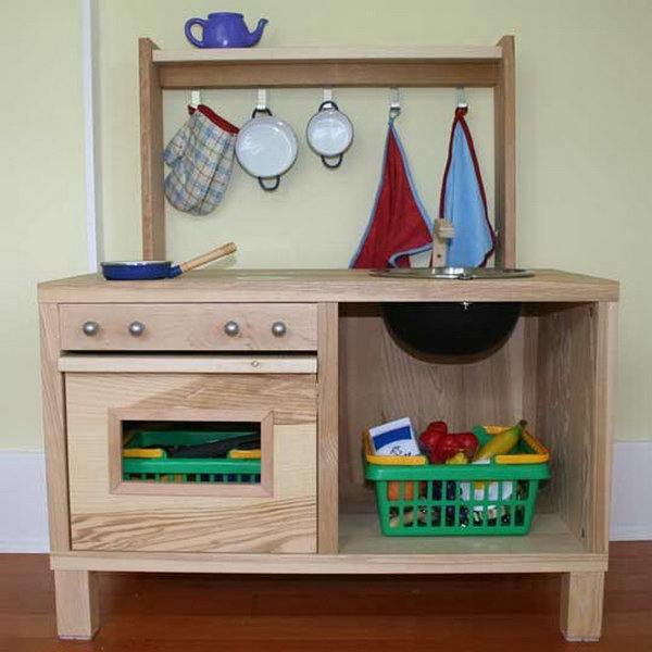 10  Fantastic DIY Wooden Play Kitchen