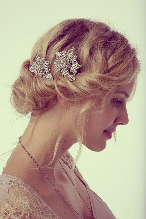 14 elegant wavy updo with a side twist