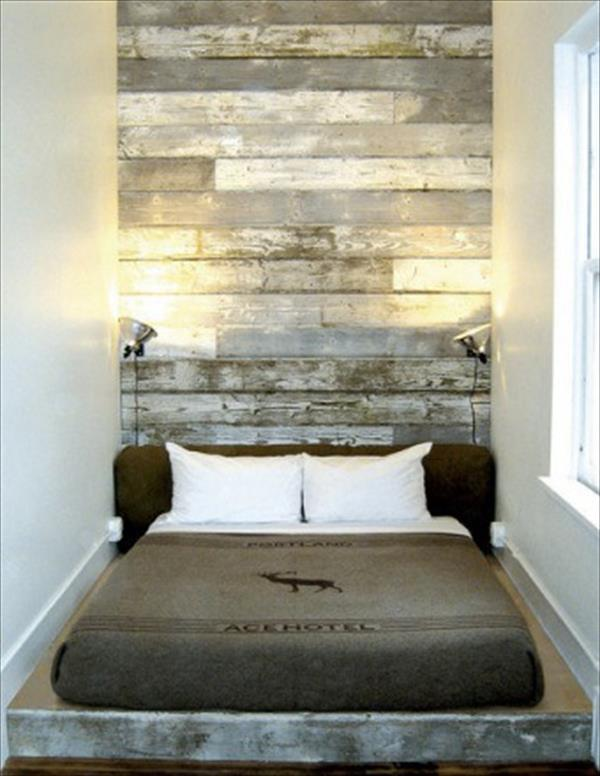 17 Rustic Bed Frame with Pallet Headboard