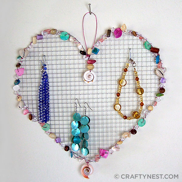 17 wire mesh jewelry holders with beads