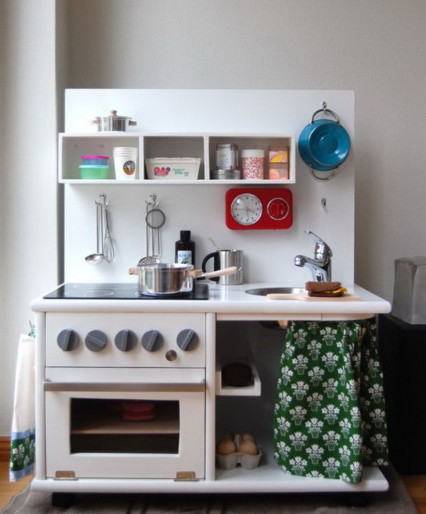 21 Well Equipped Kitchen from a Corner Cabinet