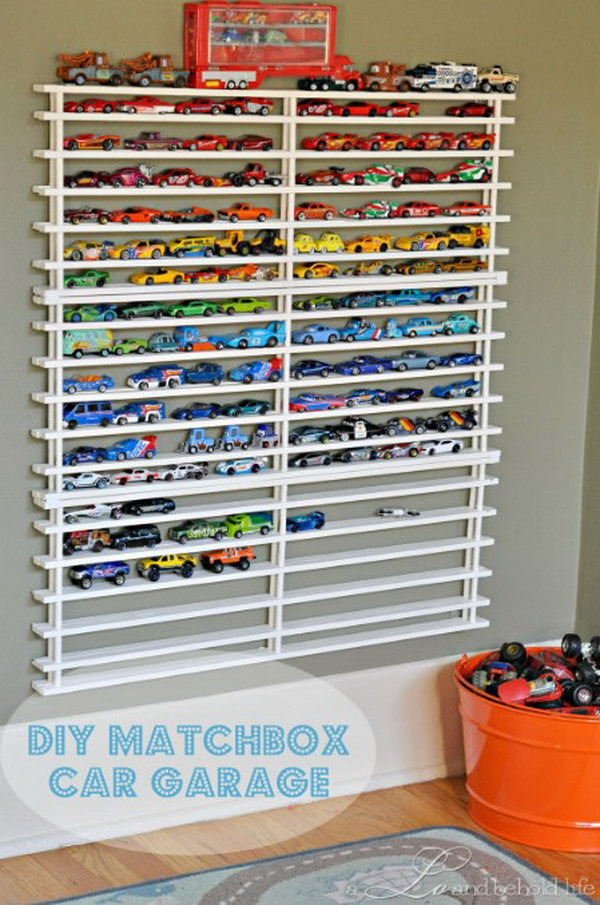 24 Matchbox Car Garage