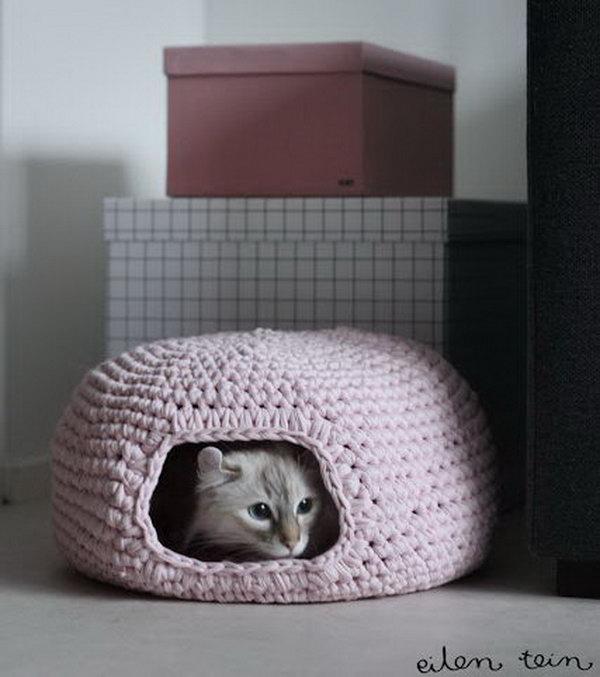 26 DIY Crochet Cat Bed