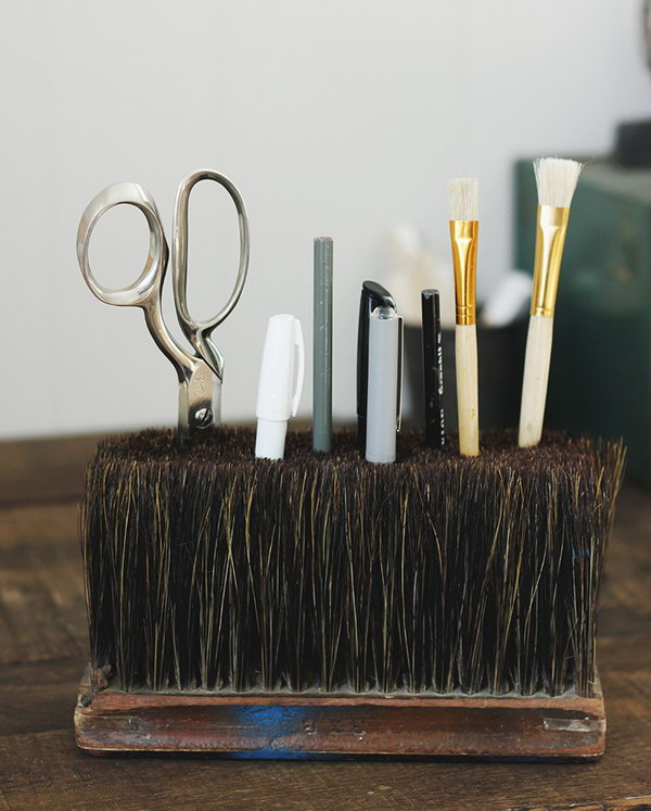 3 Broom Head Desk Caddy