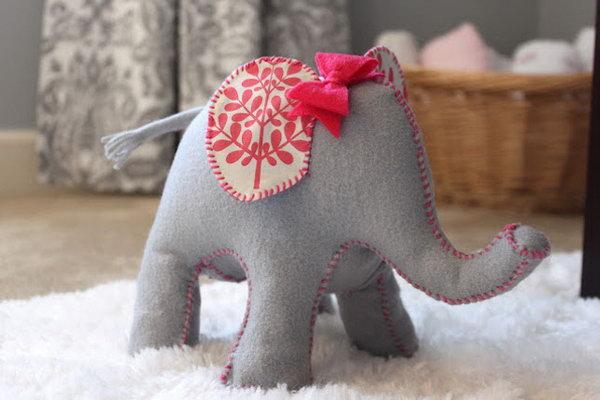 9 Cute DIY Elephant Doorstop