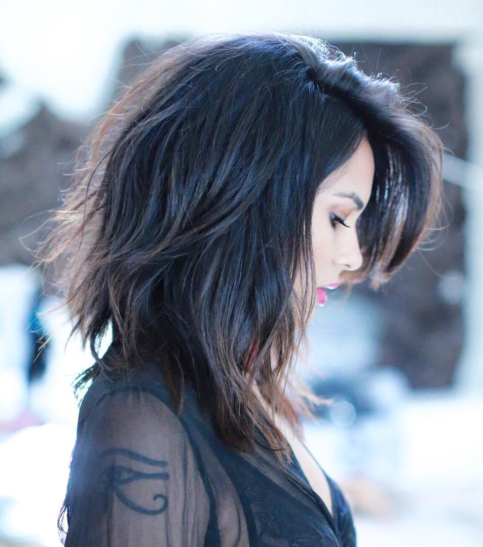 22 layered lob with side bangs
