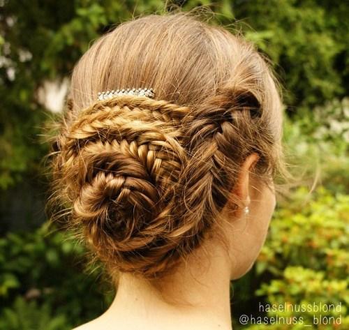 25 seashell bun with fishtail braid